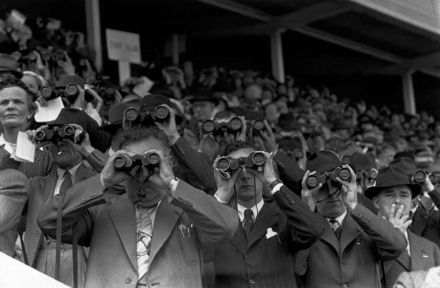 Скачки, Ирландия, 1952. Фотограф Анри Картье-Брессон