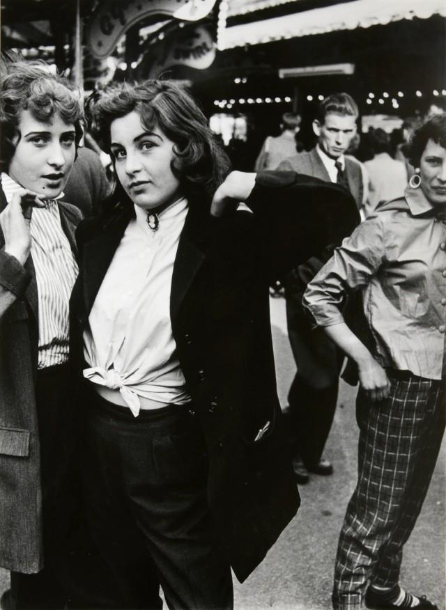 Ярмарка развлечений в Баттерси, Великобритания, 1956. Фотограф Роджер Мэйн