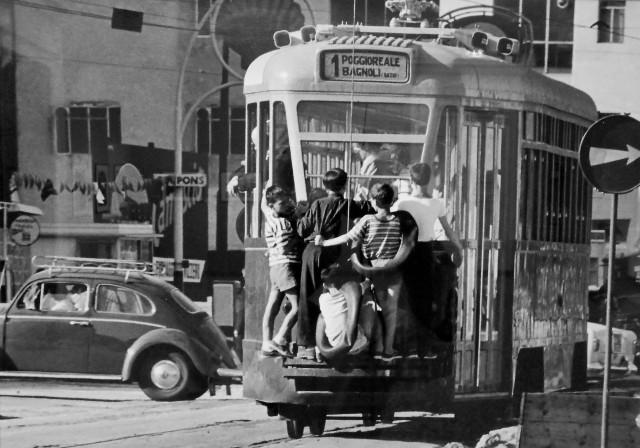 Неаполь, 1958. Фотограф Джанни Беренго Гардин