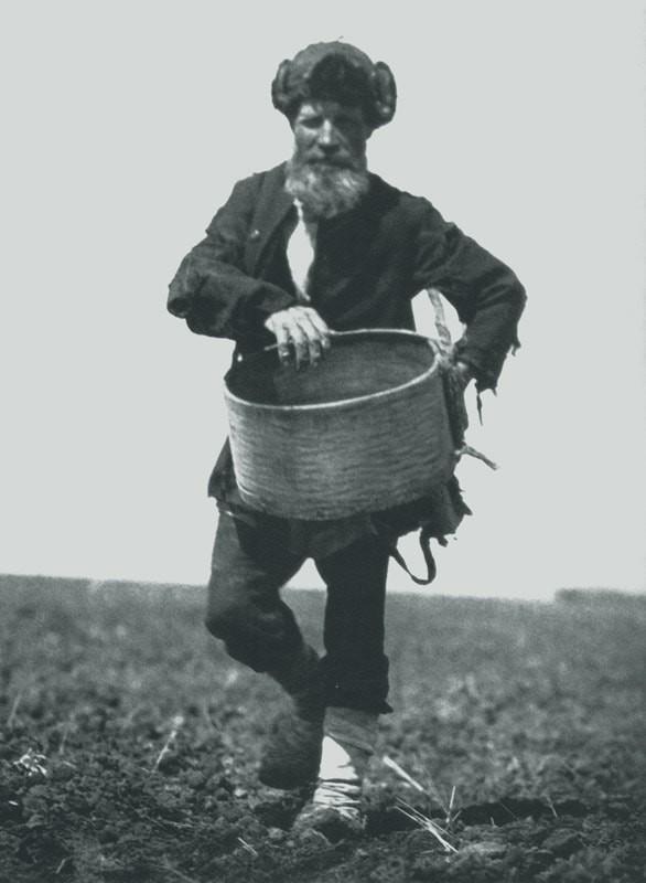 Сеятель, 1928. Фотограф Аркадий Шишкин