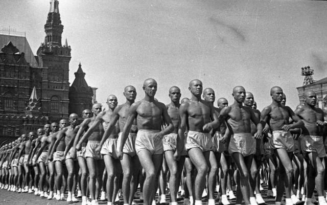 Физкультурный парад, 1938. Фотограф Сергей Васин
