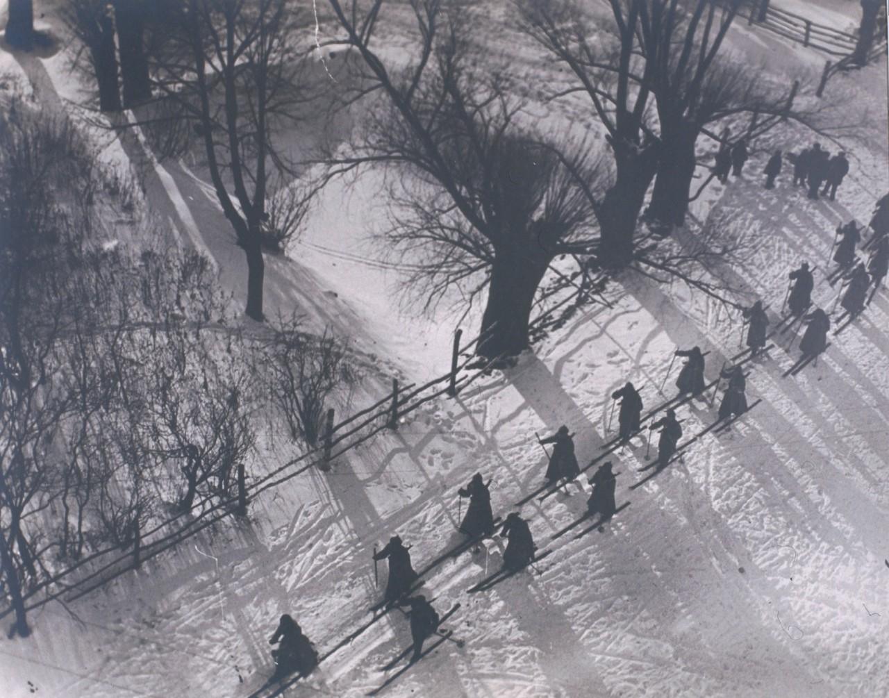 Лыжный поход красноармейцев, 1928. Фотограф Аркадий Шайхет