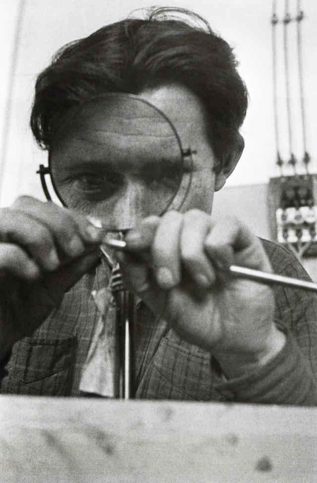 Изобретатель, 1930. Фотограф Иван Шагин