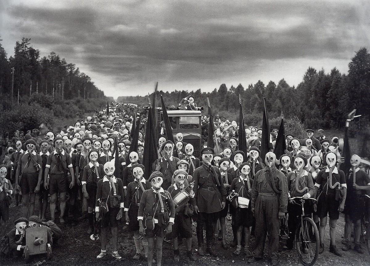 Оборона пионеров, Ленинград, 1937. Фотограф Виктор Булла