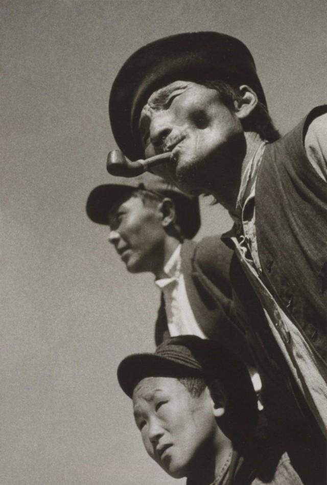 Три поколения, 1931. Фотограф Григорий Зельма