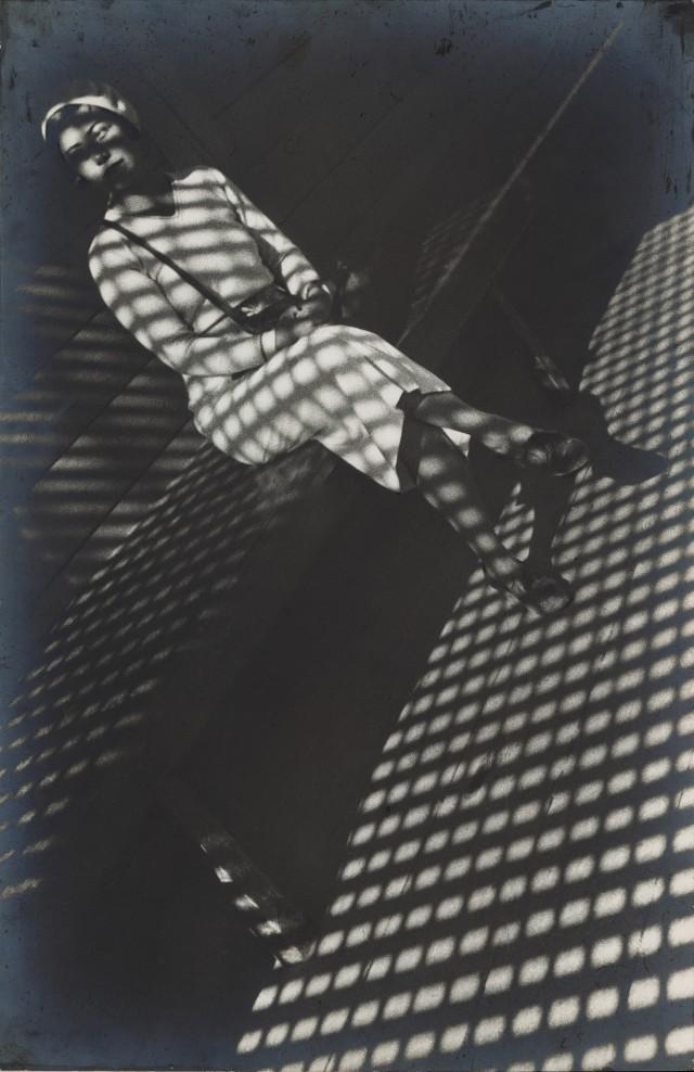 Девушка с Лейкой, 1934. Фотограф Александр Родченко