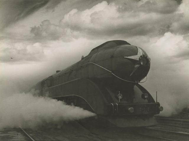 Экспресс, 1939. Фотограф Аркадий Шайхет