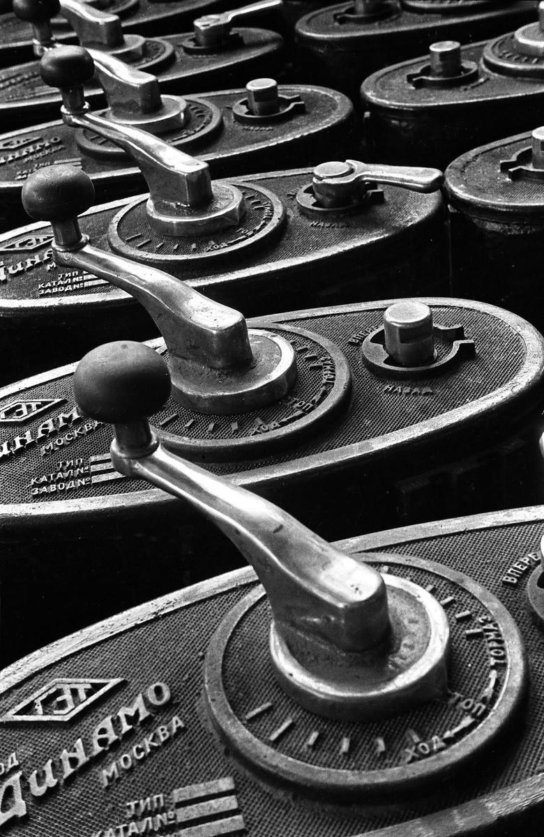 Контроллеры, 1929. Фотограф Борис Игнатович