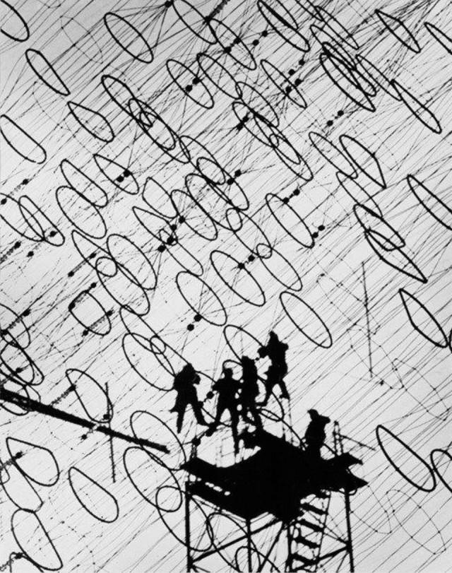 Подключение телеграфных кабелей, 1958. Фотограф Яков Рюмкин