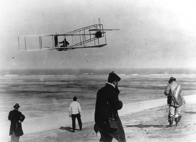 Самолёт «Флайер» стал кульминацией более десяти лет исследований и испытаний американцев братьев Райт