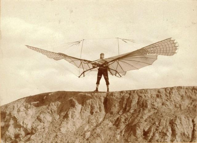 Позаимствовав у птиц технику парения, Лилиенталь научился управлению планером. Эти знания используют нынешние планеристы