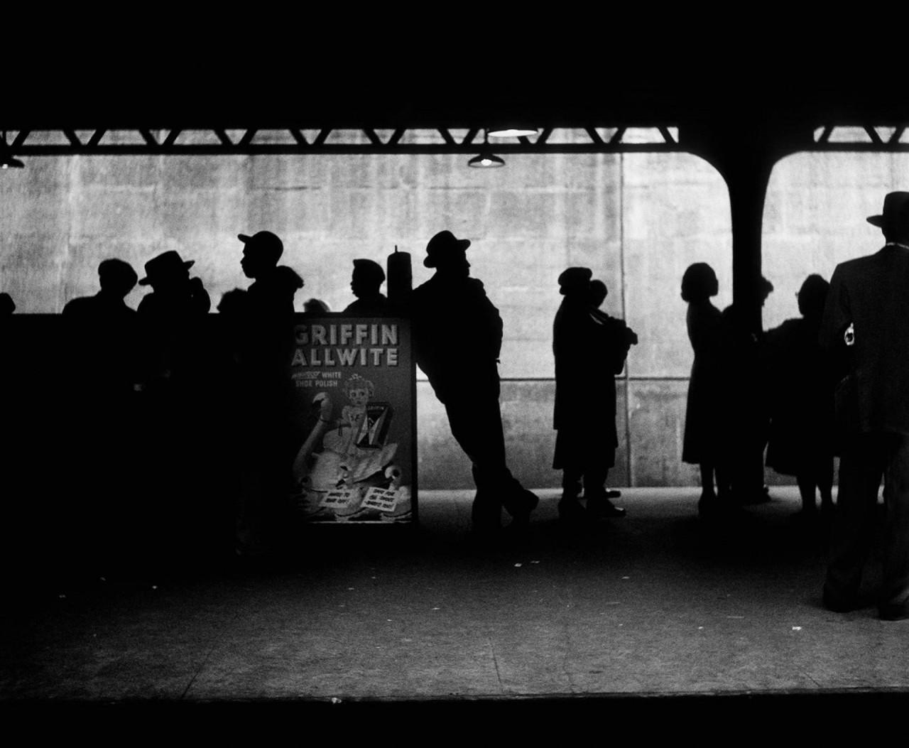 Силуэты, Нью-Йорк, 1948. Фотограф Эллиотт Эрвитт