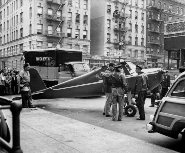 Томас Фицпатрик – пилот, на спор приземлившийся на улицах Нью-Йорка в угнанном самолёте, 1956