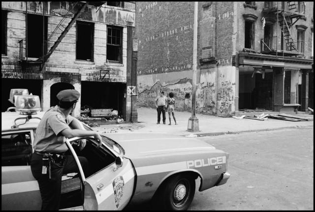 Полицейский патруль, Нью-Йорк, 1972. Фотограф Леонард Фрид