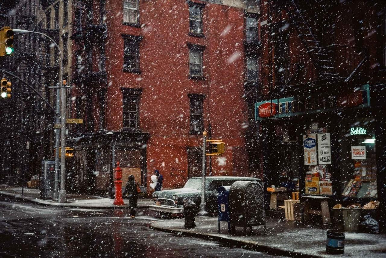 «Первый снег». Элизабет-стрит, Нью-Йорк. Фотограф Джей Мейзел