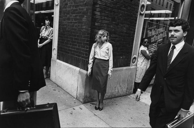На углу Мэдисон-авеню и 32-й улицы. Нью-Йорк, 1983. Фотограф Ричард Сэндлер
