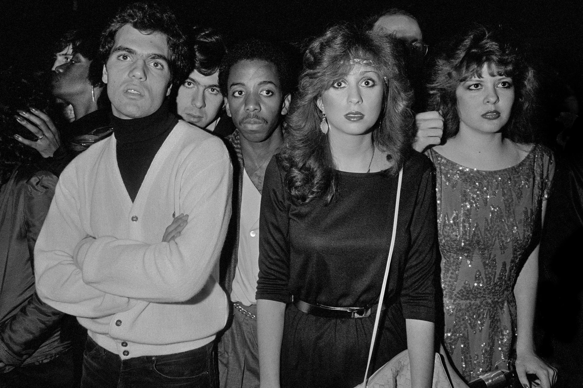 Очередь в клуб «Студия 54», Нью-Йорк, 1981. Фотограф Ричард Сэндлер
