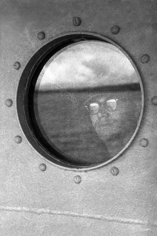 Вид из иллюминатора, 1953. Фотограф Гарольд Файнштейн