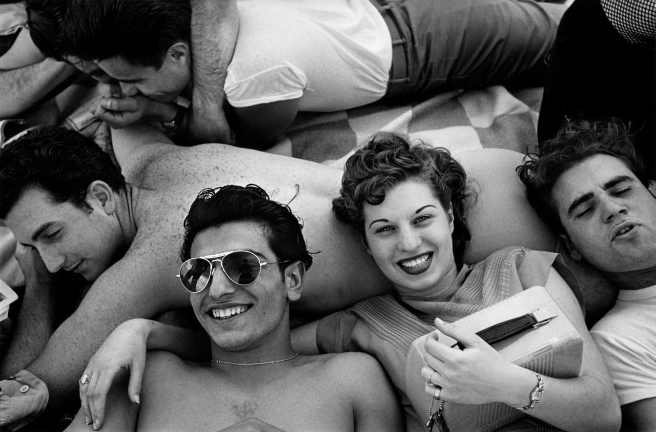 Подростки Кони-Айленда, 1949. Фотограф Гарольд Файнштейн