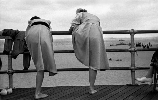 Дега на Кони-Айленде, 1950. Фотограф Гарольд Файнштейн