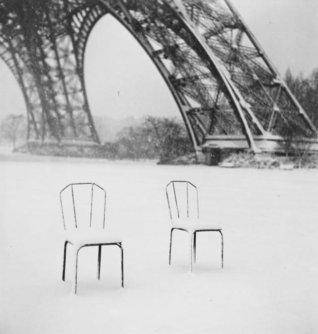 Стулья, Париж, 1952. Фотограф Сабина Вайс