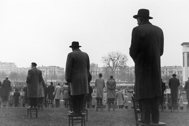 Гонки в Отёе, Франция, 1950. Фотограф Сабина Вайс