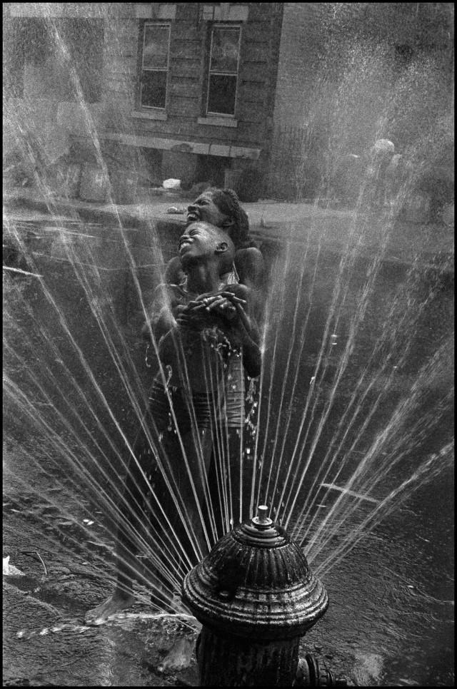 Лето в Гарлеме, Нью-Йорк, 1963. Фотограф Леонард Фрид