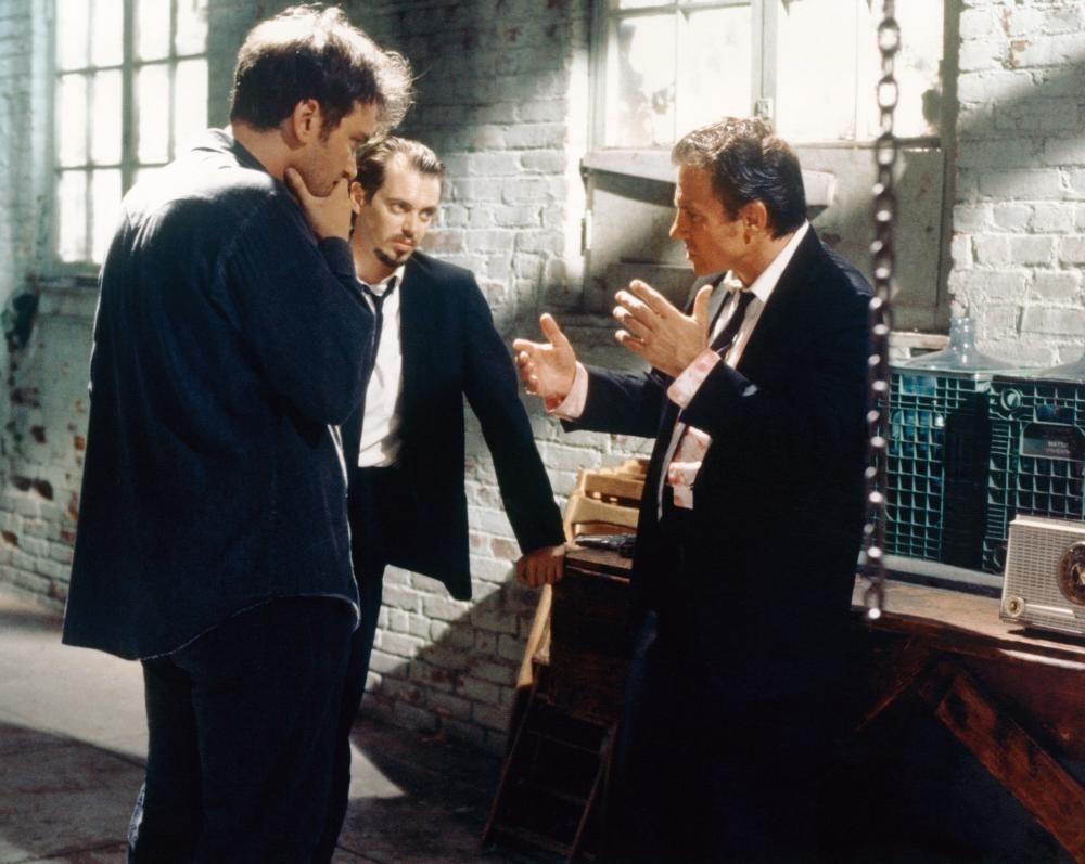 Квентин Тарантино, Стив Бушеми и Харви Кейтель на съёмочной площадке «Бешеных псов», 1992