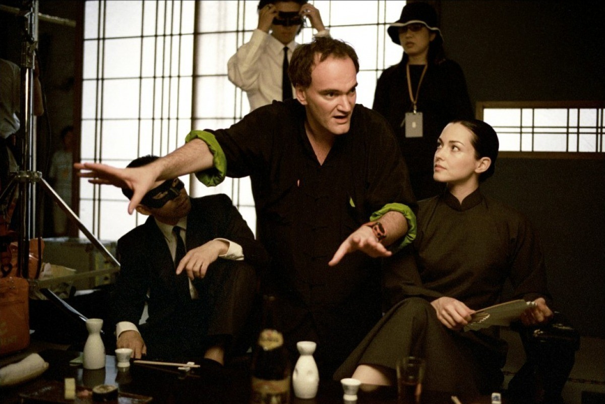 Квентин Тарантино на съёмках фильма «Убить Билла. Фильм 1», 2003