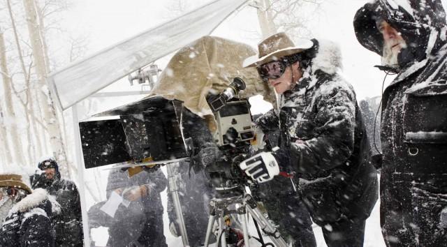 Квентин Тарантино и оператор Роберт Ричардсон на съёмках фильма «Омерзительная восьмёрка», 2015