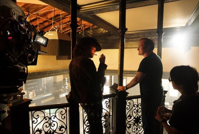 Леонардо Ди Каприо и Квентин Тарантино на съёмках фильма «Однажды в Голливуде», 2019