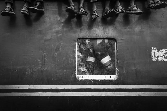 3-е место в категории «Улица» среди любителей, 2020. Пассажиры поезда. Автор Вэй Фу