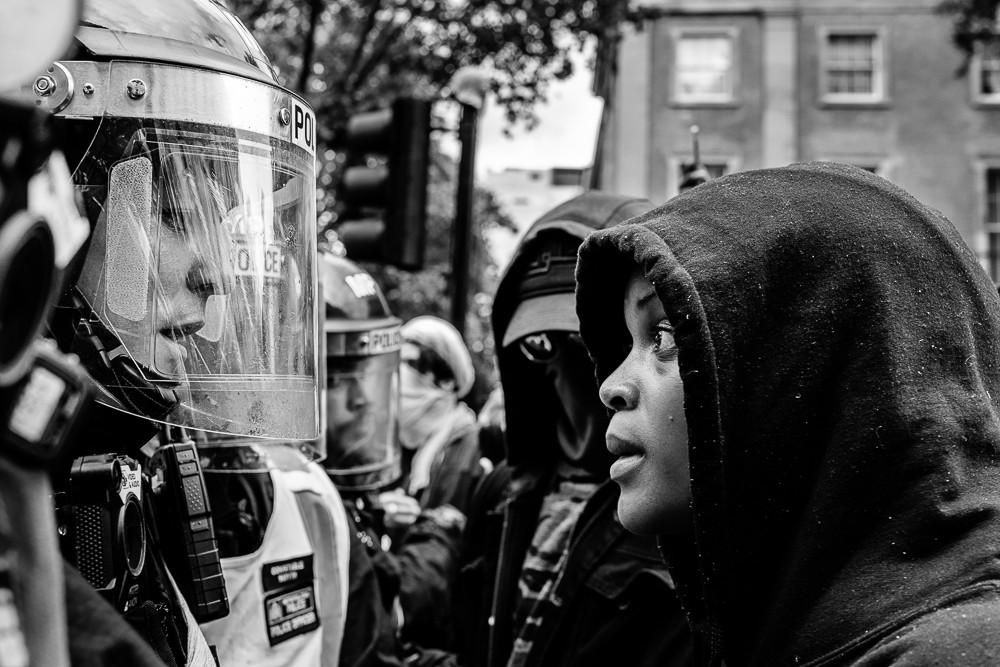 «Монохромный фотограф года», 2020. Лондонские протесты в рамках движения Black Lives Matter 6 июня 2020 года. Автор Ксистоф Мозыро