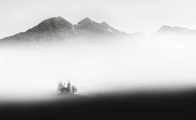 2-е место в категории «Пейзаж» среди любителей, 2019. «Плавучая церковь». Автор Алесь Кривец
