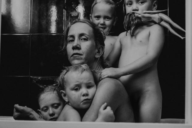 3-е место в категории «Портрет» среди профессионалов, 2019. «Реальность». Автор  Рене Джонстон