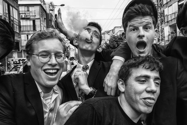 3-е место в категории «Улица» среди профессионалов, 2019. «Не волнуйся, будь счастлив». Автор Орна Наор