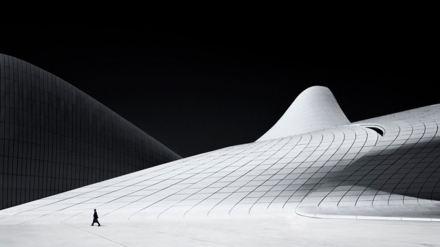 1-е место в категории «Архитектура» среди любителей, Monochrome Awards 2018. «Прекрасный Баку». Фотограф Кристиан Ван Хейст