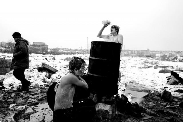 3-е место в категории «Фотожурналистика» среди профессионалов, Monochrome Awards 2018. «Сопротивление и выносливость» (беженцы). Фотограф Паоло Мунари Манделли