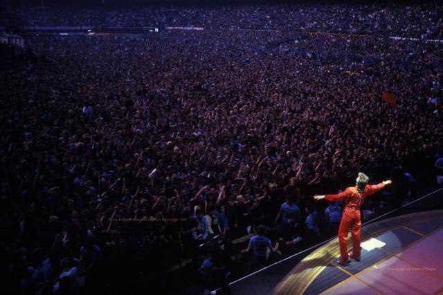Дэвид Боуи на премьере своего тура в 1987 году на стадионе в Роттердаме (Нидерланды). Фотограф Дэнис О'Риган