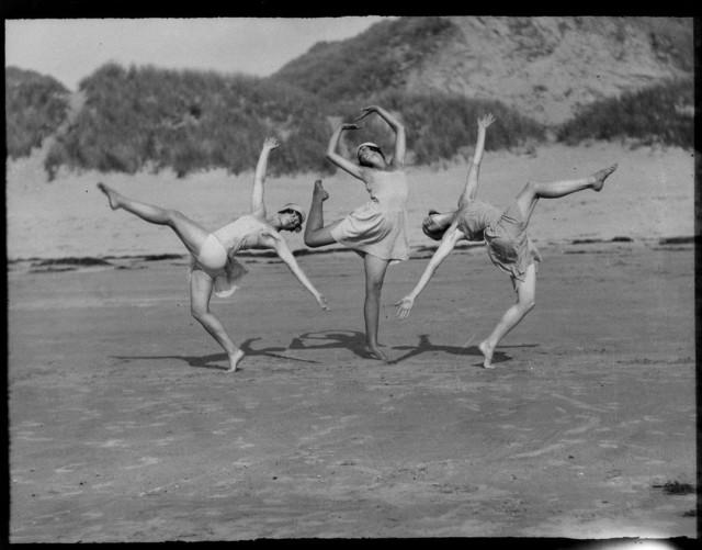Мисс Моррис и танцевальный класс, ок. 1922. Фотограф Элвин Лэнгдон Коберн
