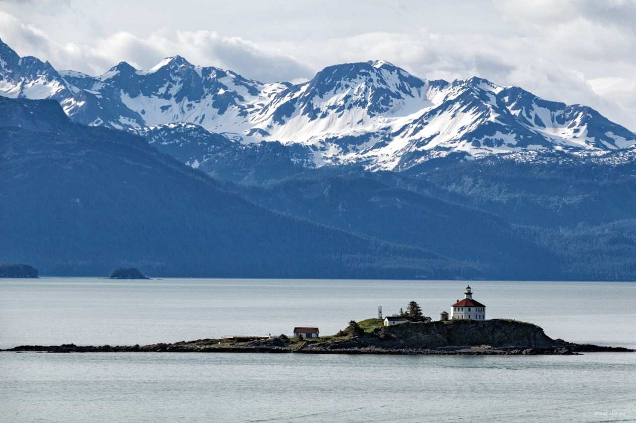 Маяк острова Элдред Рок на Аляске. Фотограф Брент Хардер