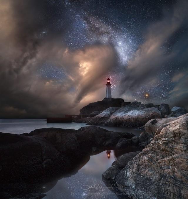 Маяк под звёздным небом. Фотограф Дэниел Гринвуд