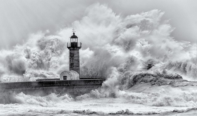 Февральский шторм. Фотограф Эдуардо Тейшейра де Соуза