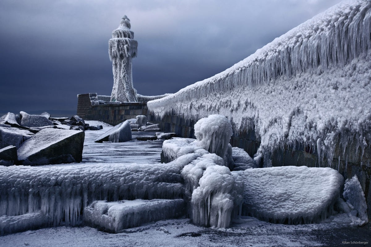 «Замороженное царство». Маяк на Балтийском море, Германия. Фотограф Килиан Шёнбергер
