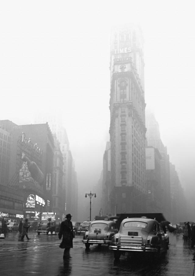 Таймс-сквер, дождливый день, Нью-Йорк, 1949. Фотограф Фред Стайн