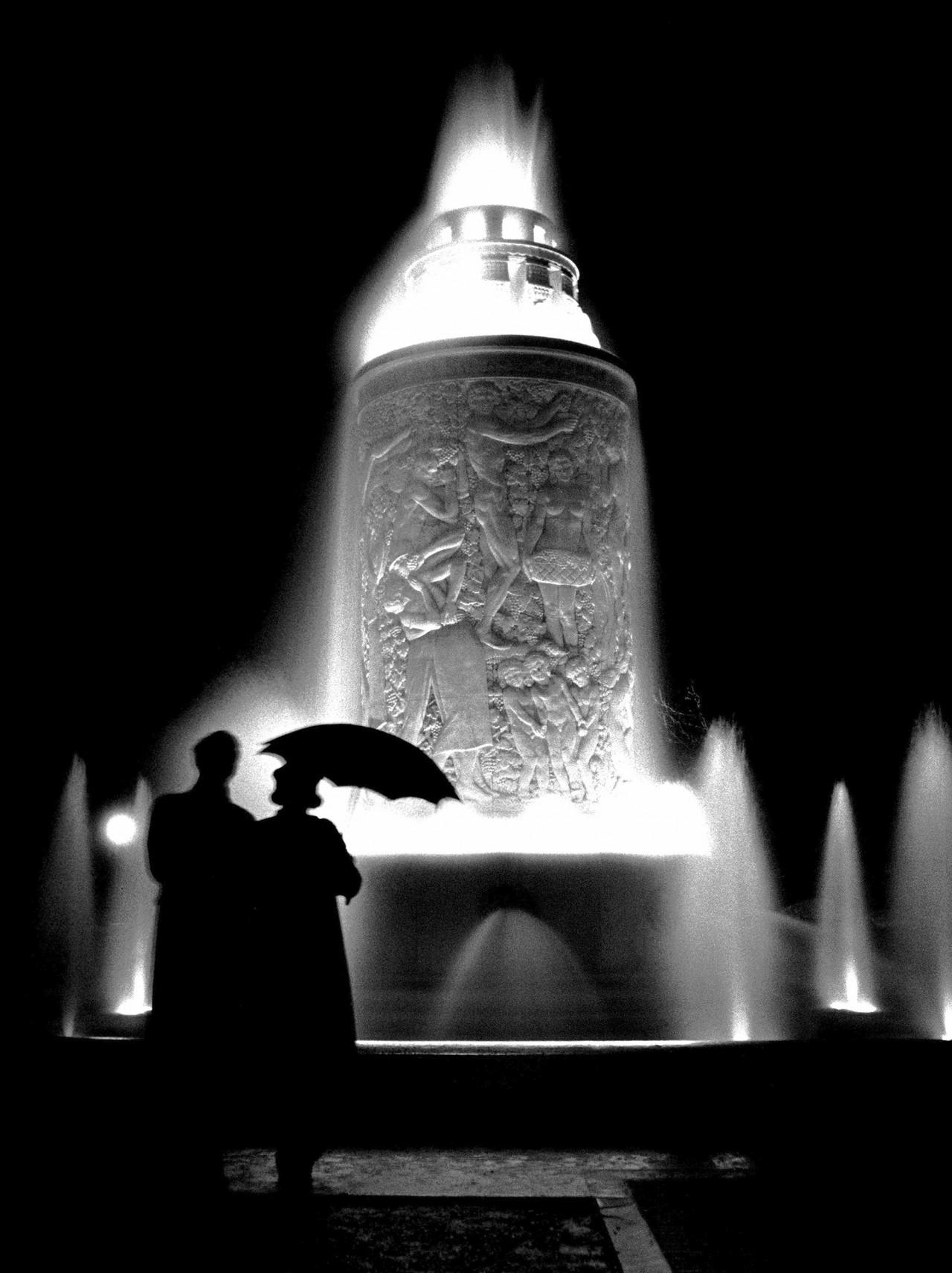Фонтан, Париж, 1935. Фотограф Фред Стайн