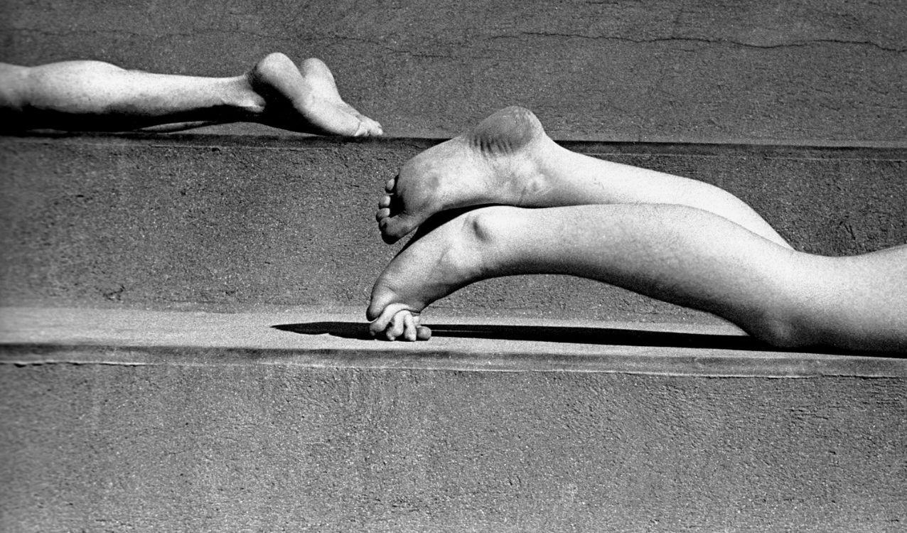 Ноги, Париж, 1935. Фотограф Фред Стайн