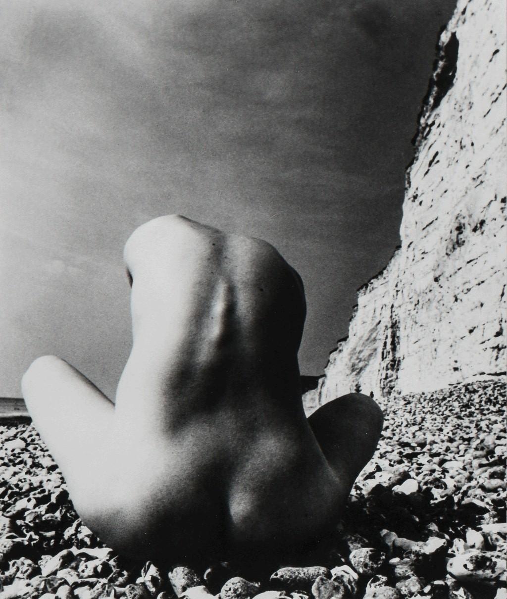 Обнаженная, Восточный Сассекс, 1977. Фотограф Билл Брандт