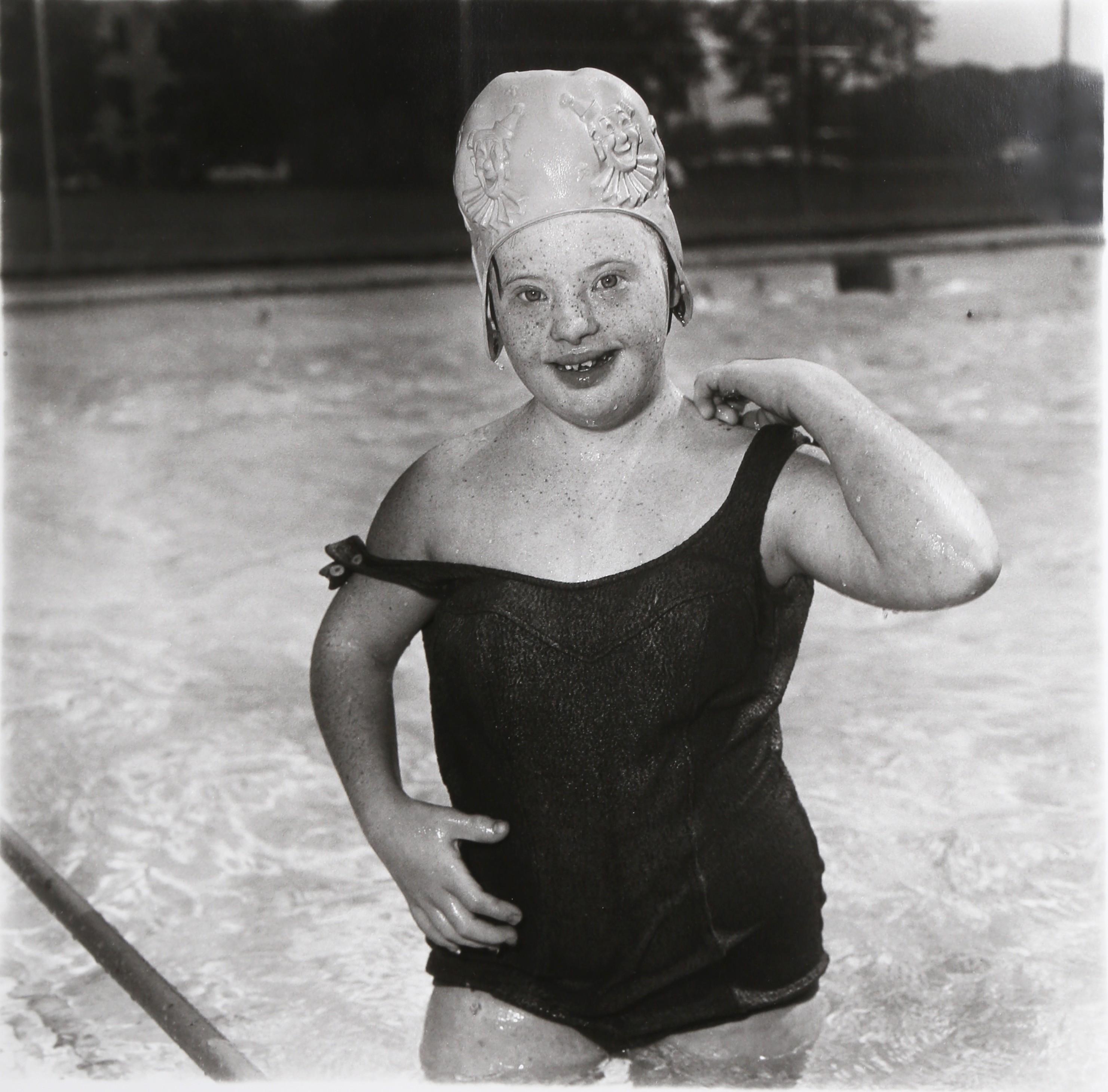 Девочка в плавательной шапочке, 1990. Фотограф Диана Арбус