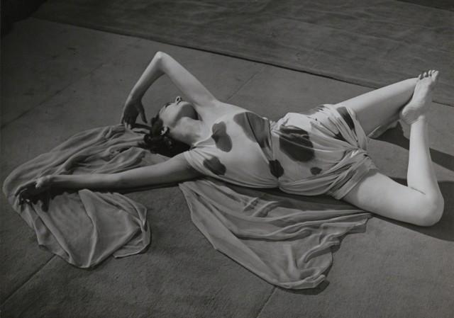 Модернистский этюд лежащей танцовщицы, 1930-1930-е